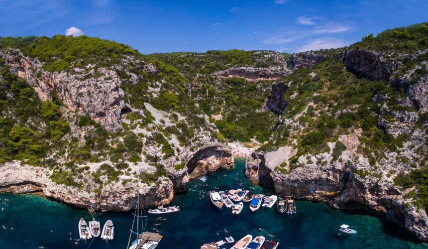 Toto-Travel-Private-Boat-Trip-Blue-Cave-Hvar-5-Islands-Private-Boat-Trip-1-2