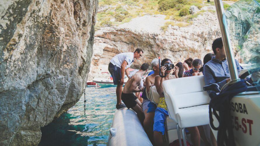 Toto-Travel-Private-Boat-Trip-Blue-Cave-Hvar-5-Islands-Private-Boat-Trip-11-1