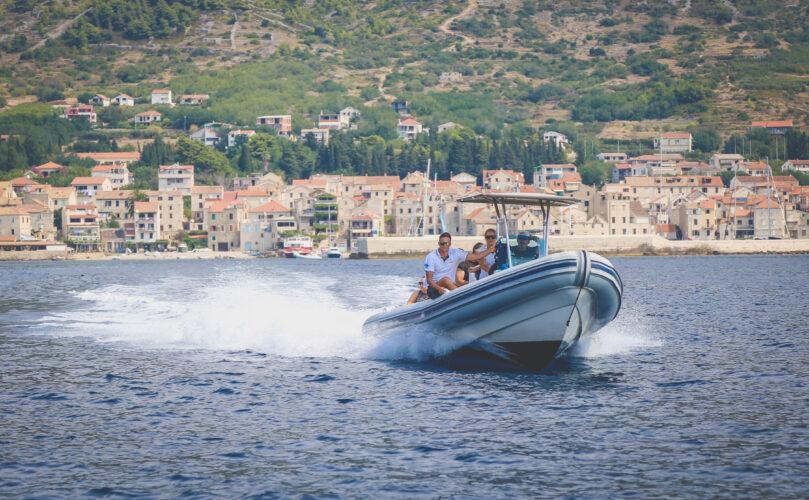 Toto-Travel-Private-Boat-Trip-Blue-Cave-Hvar-5-Islands-Private-Boat-Trip-16