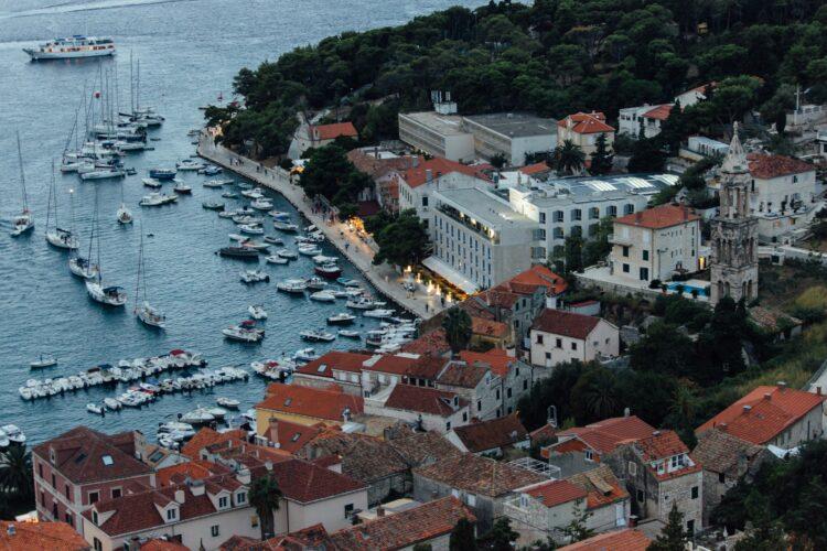 Toto-Travel-Private-Boat-Trip-Blue-Cave-Hvar-5-Islands-Private-Boat-Trip-31