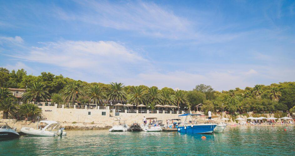 Toto-Travel-Private-Boat-Trip-Blue-Cave-Hvar-5-Islands-Private-Boat-Trip-37