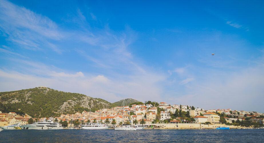 Toto-Travel-Private-Boat-Trip-Blue-Cave-Hvar-5-Islands-Private-Boat-Trip-7