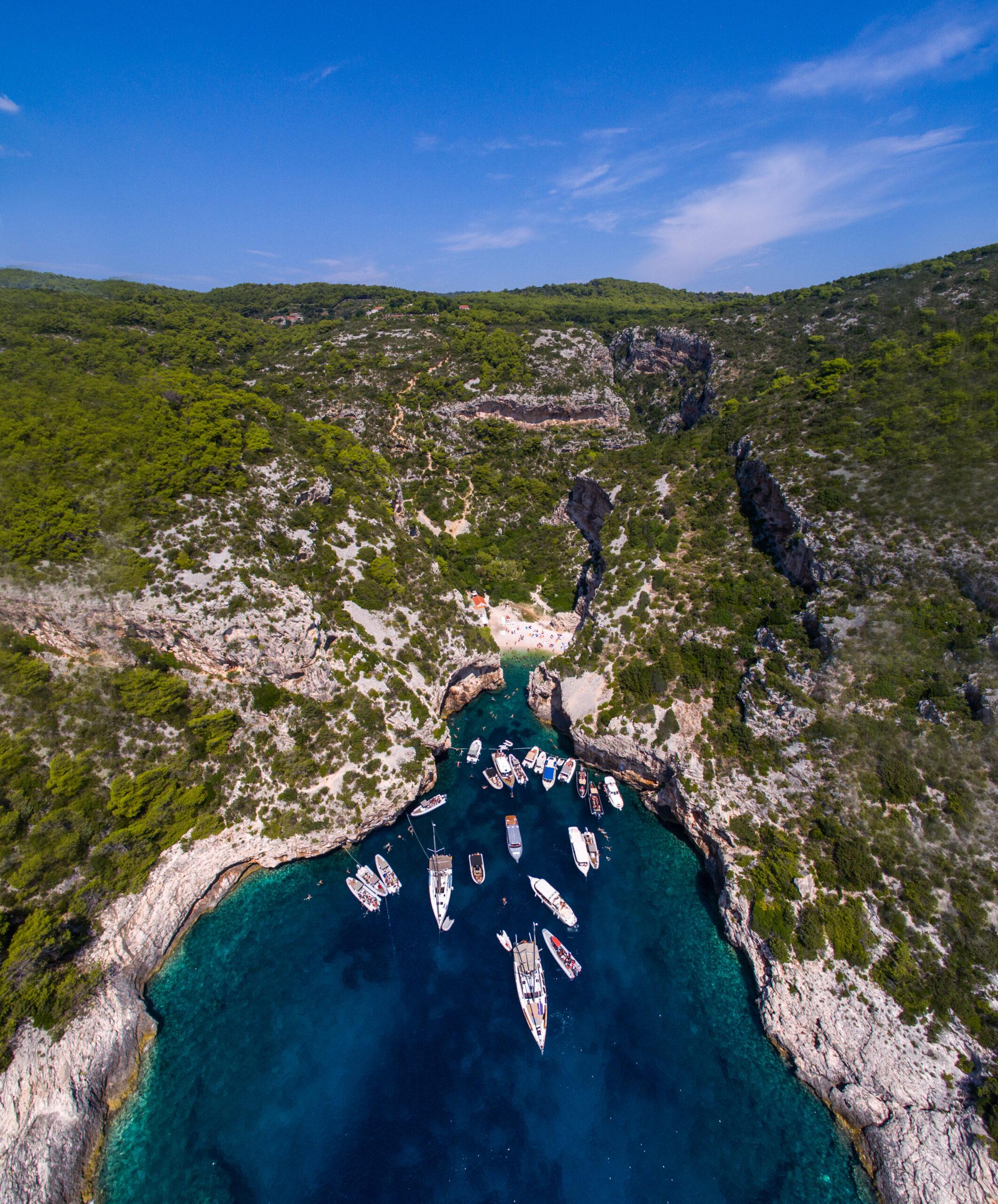 Toto-Travel-Private-Boat-Trip-Blue-Cave-Hvar-5-Islands-Private-Boat-Trip-9-1