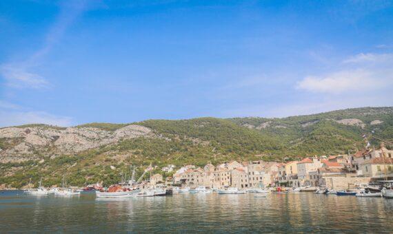 Toto-Travel-Private-Boat-Trip-Blue-Cave-Hvar-5-Islands-Private-Boat-Trip12