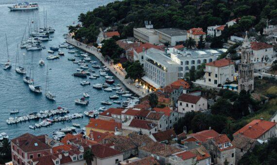 Toto-Travel-Private-Boat-Trip-Blue-Cave-Hvar-5-Islands-Private-Boat-Trip37