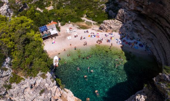 Toto-Travel-Private-Boat-Trip-Blue-Cave,-Hvar-&-5-Islands-Private-Boat-Trip5
