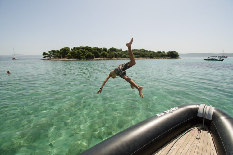 Toto Travel Boat Trip Blue Lagoon 3 Islands 7