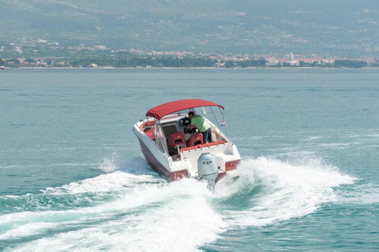 Toto Travel Rent A Boat Atlantic Marine 750 6