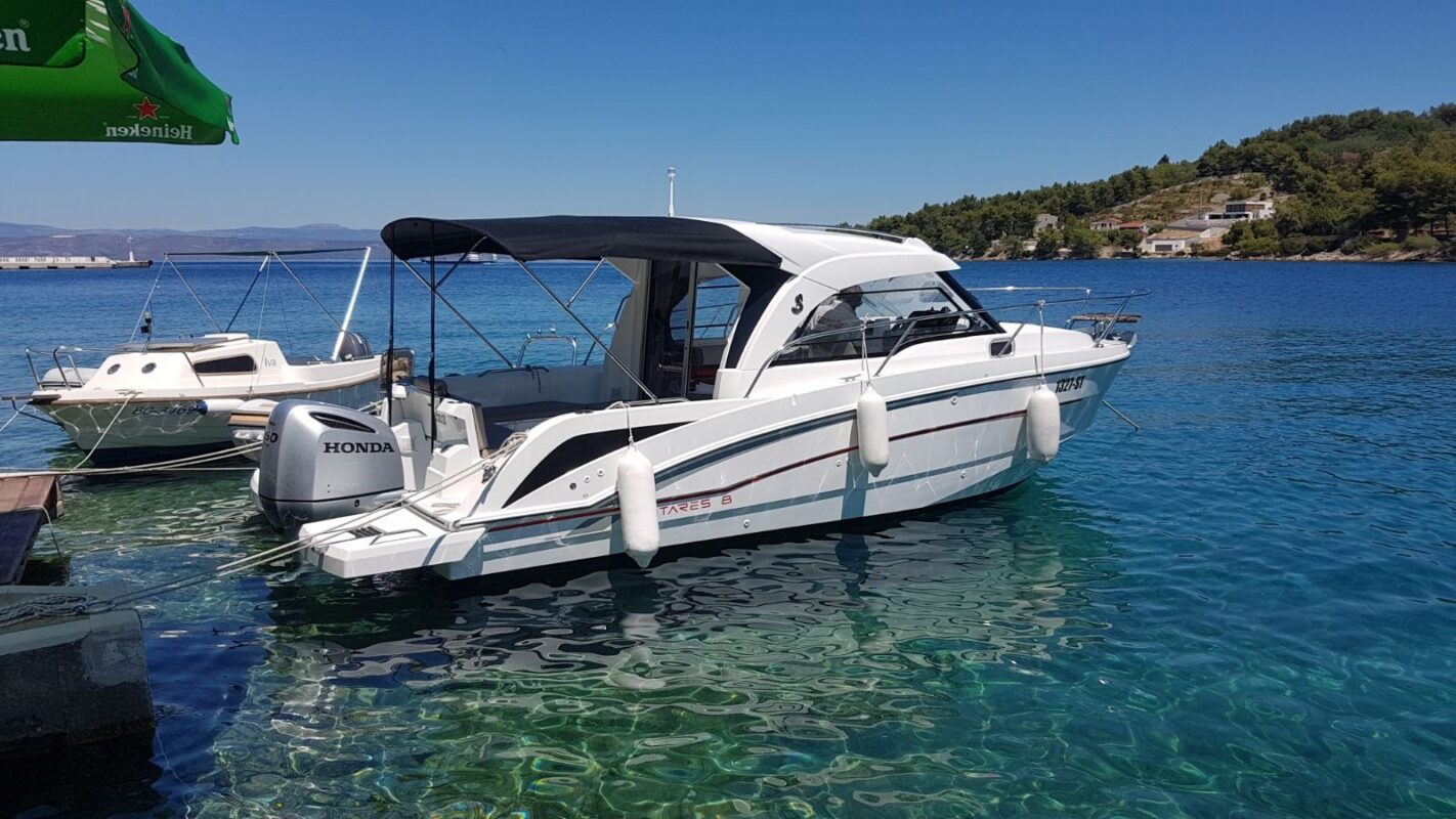 Toto Travel Rent A Boat Beneteau Antares 8 5