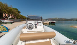 Toto Travel Rent A Boat Marlin 790 3