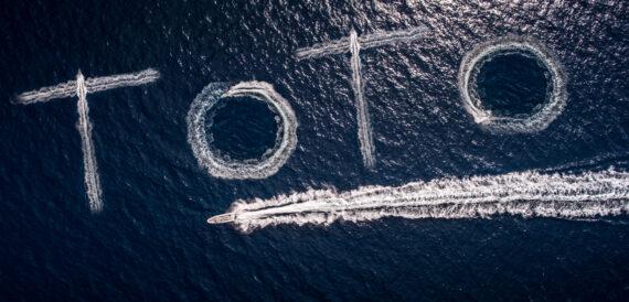 toto travel boat logo