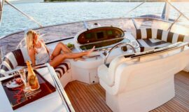 Toto-Travel-Rent-A-Boat-Yarretti-2210-10.jpeg