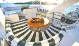 Toto-Travel-Rent-A-Boat-Yarretti-2210-11.jpeg