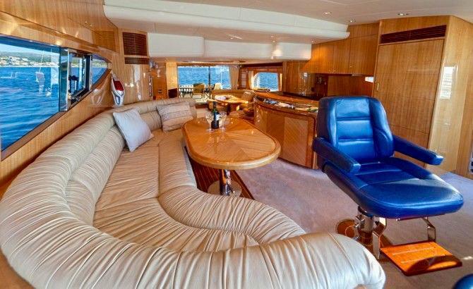 Toto-Travel-Rent-A-Boat-Yarretti-2210-13.jpeg