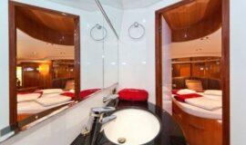 Toto-Travel-Rent-A-Boat-Yarretti-2210-18.jpeg