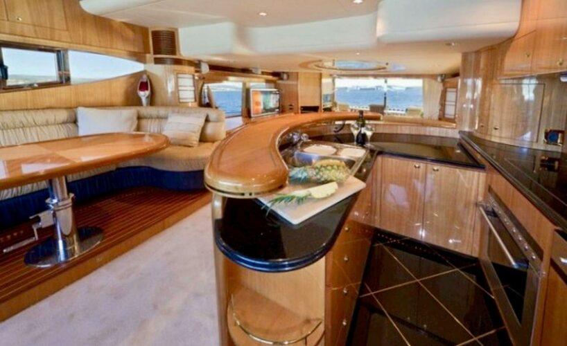 Toto-Travel-Rent-A-Boat-Yarretti-2210-19.jpeg